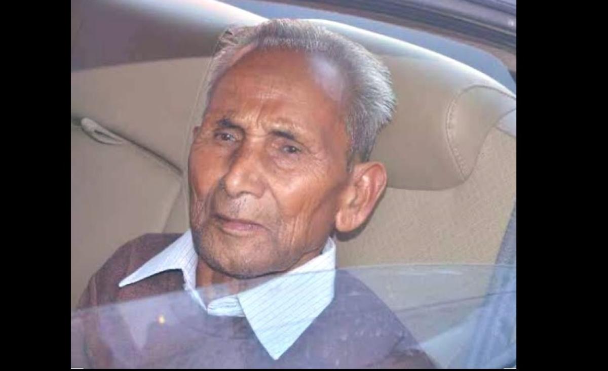 Yogi Adityanath's father Anand Singh Bisht passes away at AIIMS hospital