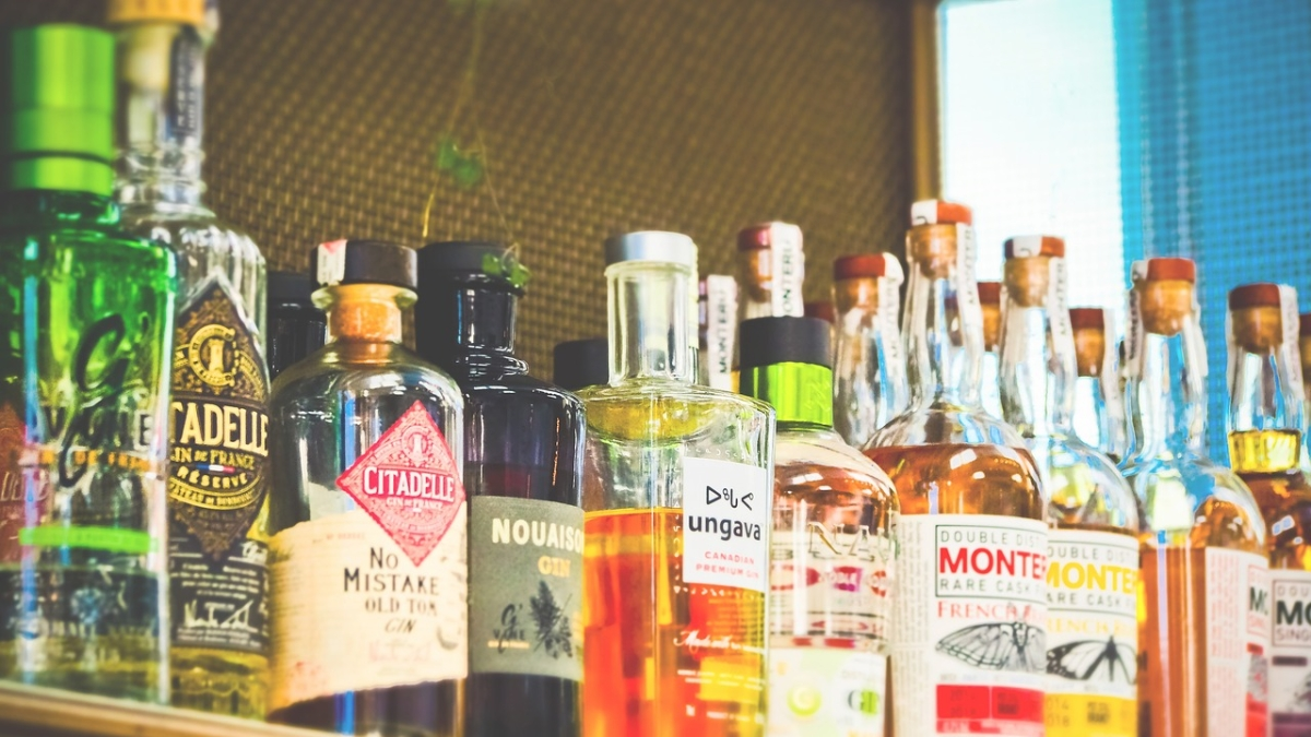 Will wine shops be open during lockdown 2.0? MHA's new guidelines say strict ban on 'gutka, tobacco and alcohol'