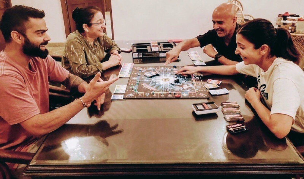 Anushka Sharma, Virat Kohli play ludo with family, actress accepts defeat in a hilarious way