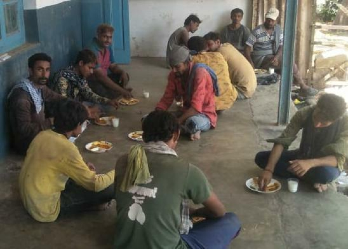 Under Mission Food Distribution Western Rly distributes 2.85 lakh food packets in last 23 days