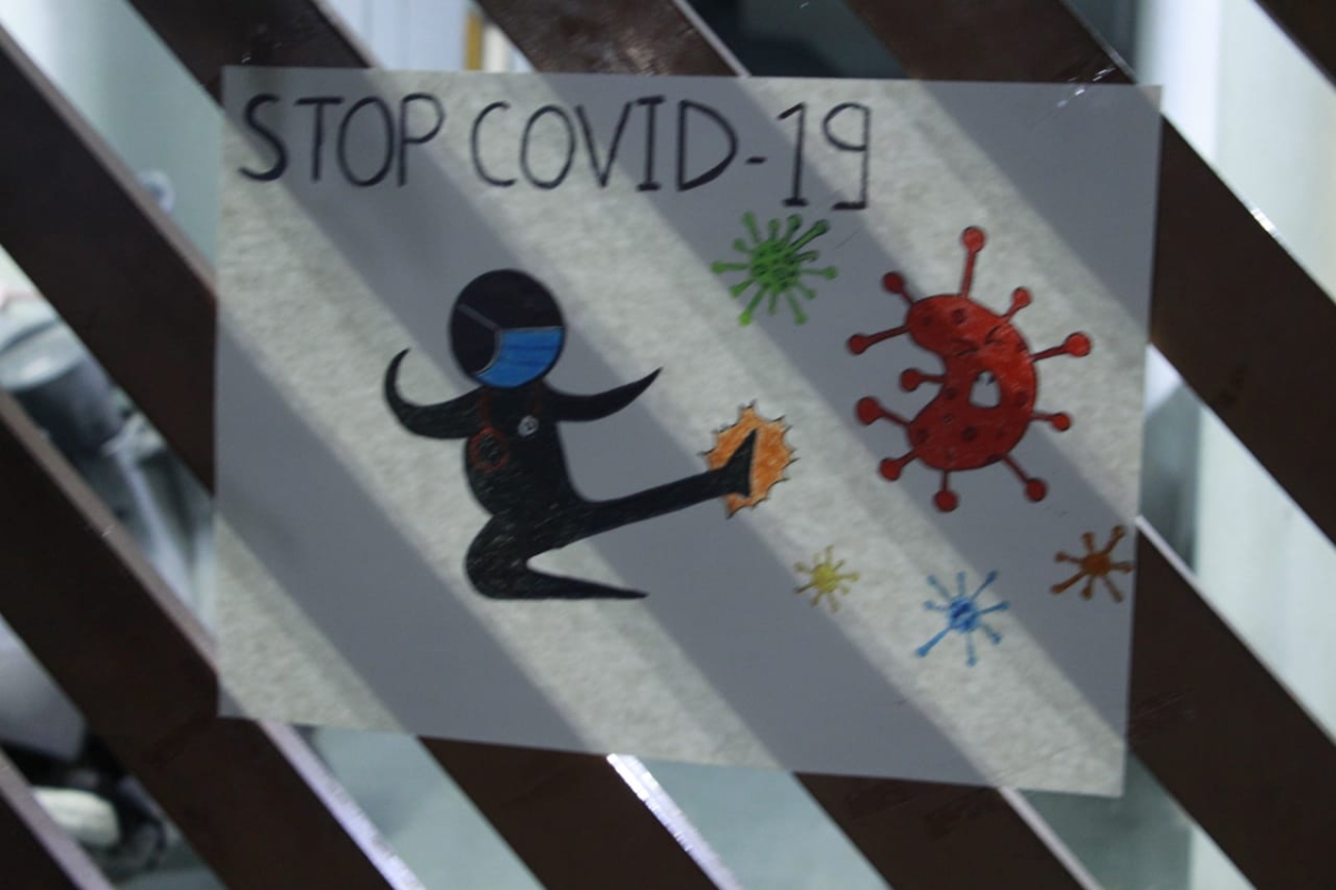 Coronavirus in Indore: Kids put up virus awareness posters