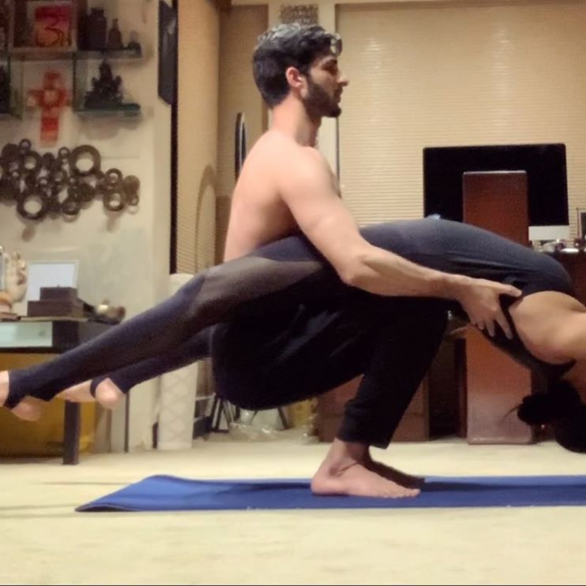 Rohman Shawl's jaw hits the floor as Sushmita Sen balances her body on 'tippi toes'