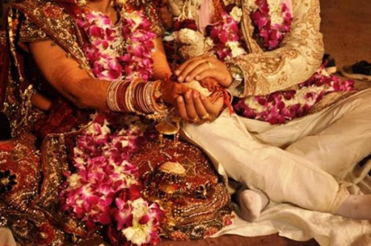 Coronavirus in Mumbai: Wedding deferred as bride's housing society denies entry to Dharavi groom