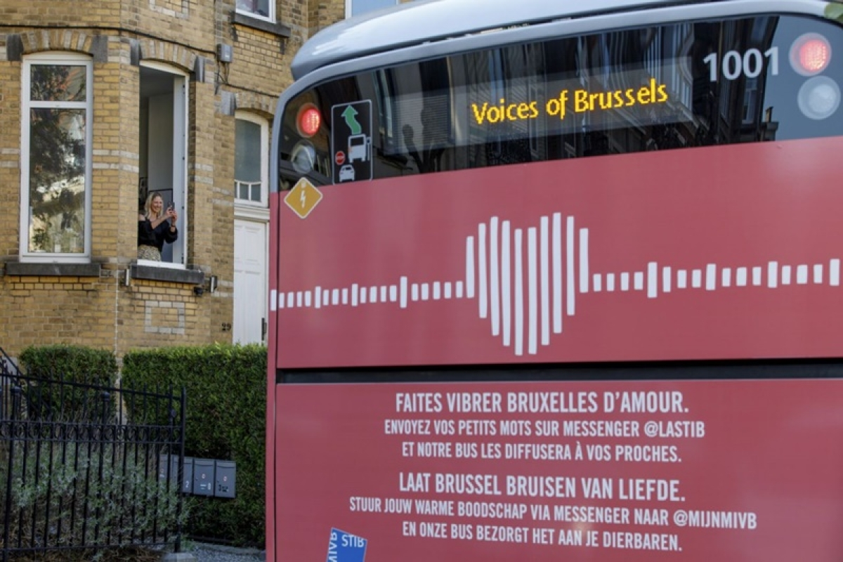Coronavirus update: In Brussels, there's a bus full of love