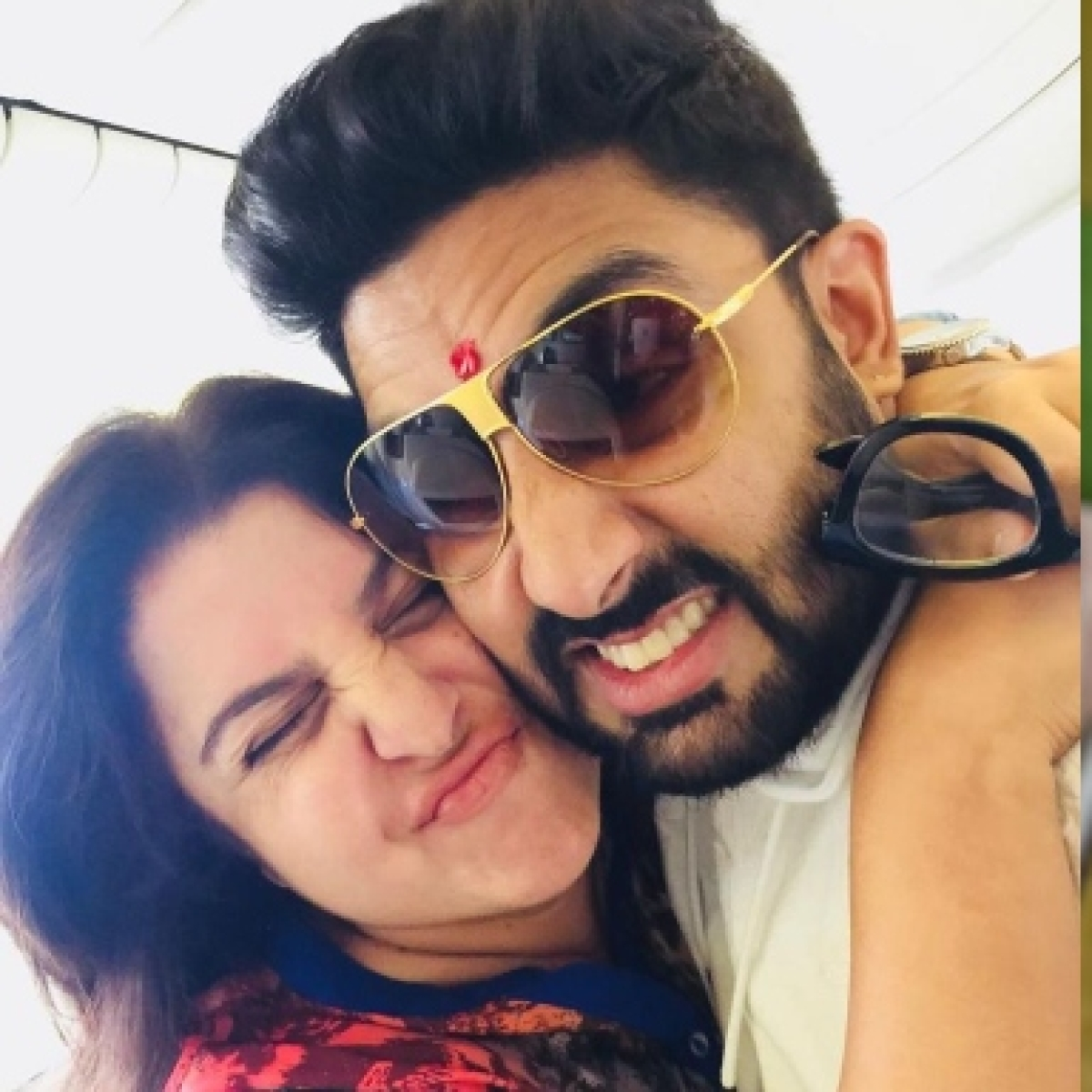 Farah Khan thanks Abhishek Bachchan for donating 1 lakh to daughter Anya's COVID-19 charity drive