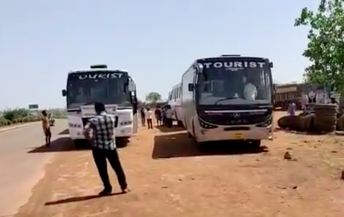 Special buses sent to get 900 South Indian pilgrims from Varanasi: A tale of two lockdowns