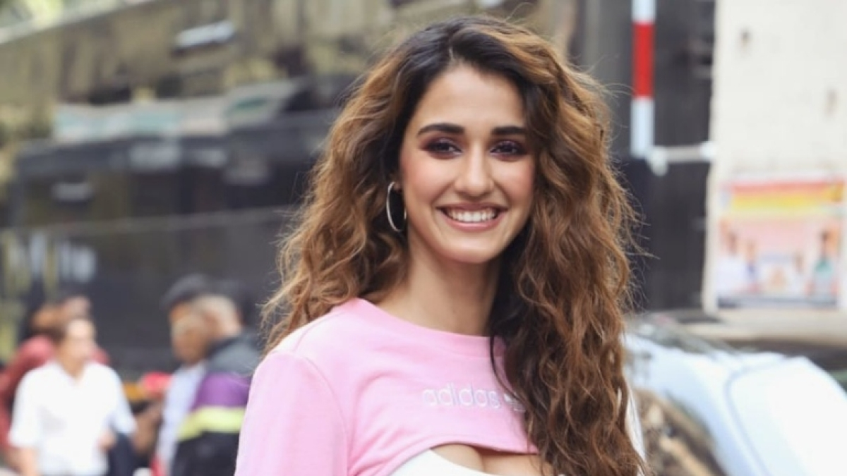 Disha Patani sets the internet on fire as she flaunts her sexy midriff while grooving to 'Yoncé'