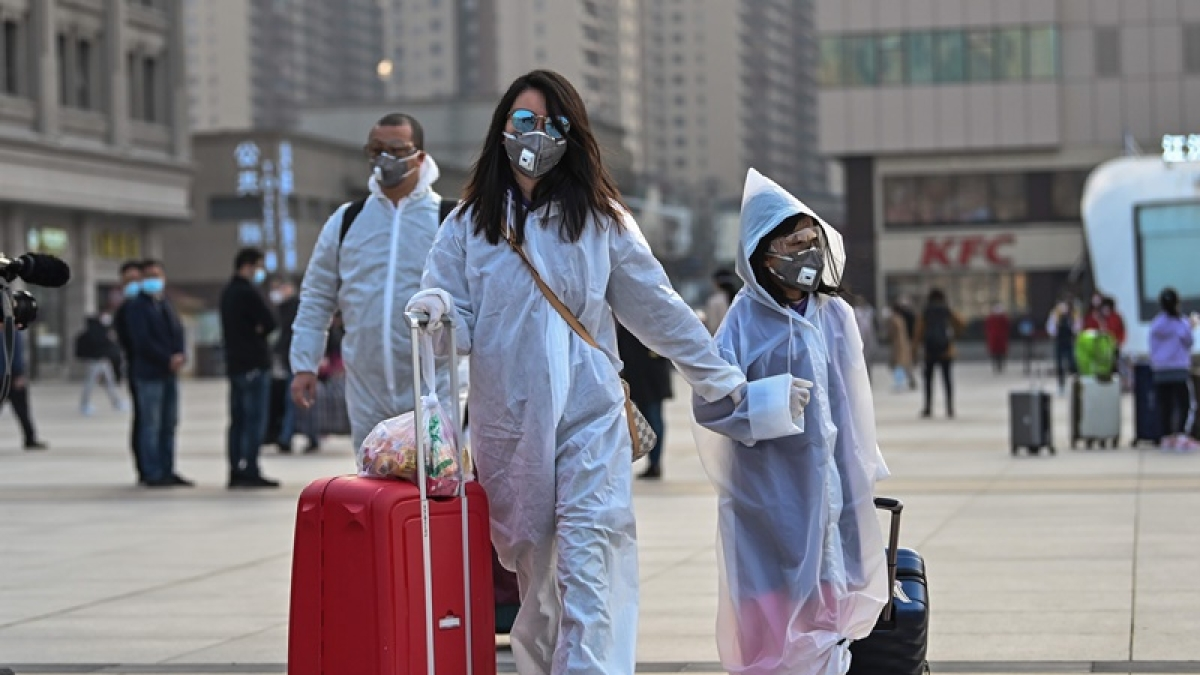 South Korea to require masks on transit, flights