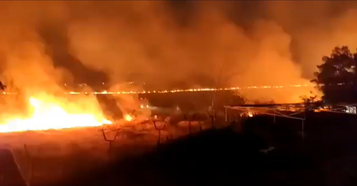 9 Baje 9 Minute: Fire breaks out near Solapur Airport, allegedly after locals burst firecrackers