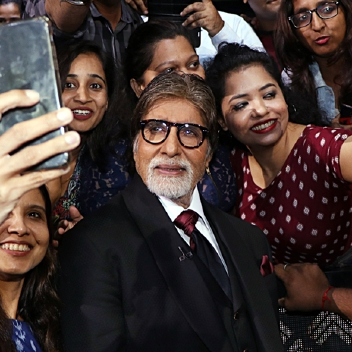 Amitabh Bachchan shares picture wearing a 'bikini' to gain 'big numbers' on Instagram