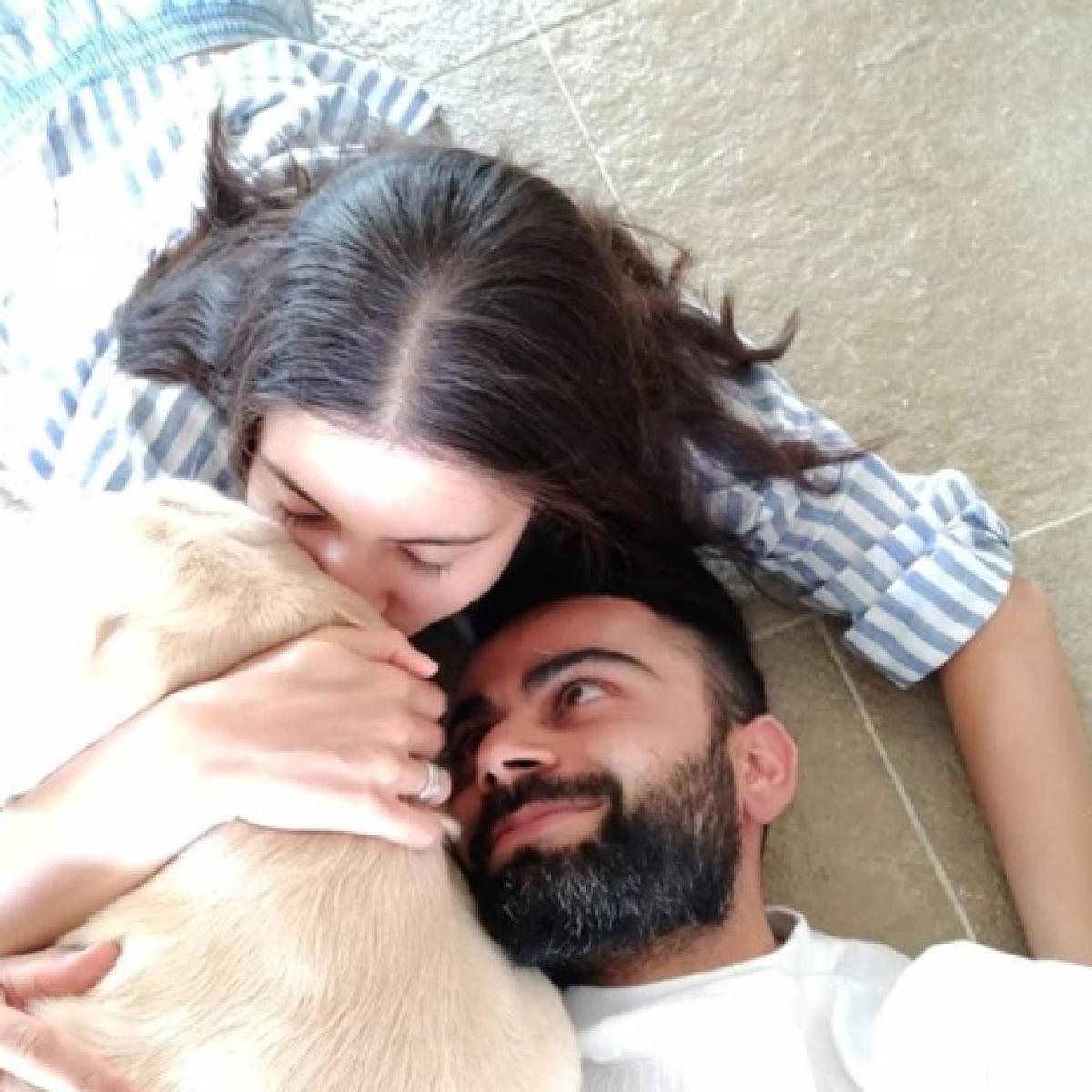 'The way he looks at her': Anushka Sharma, Virat Kohli's adorable pic is making the internet feel lovesick!