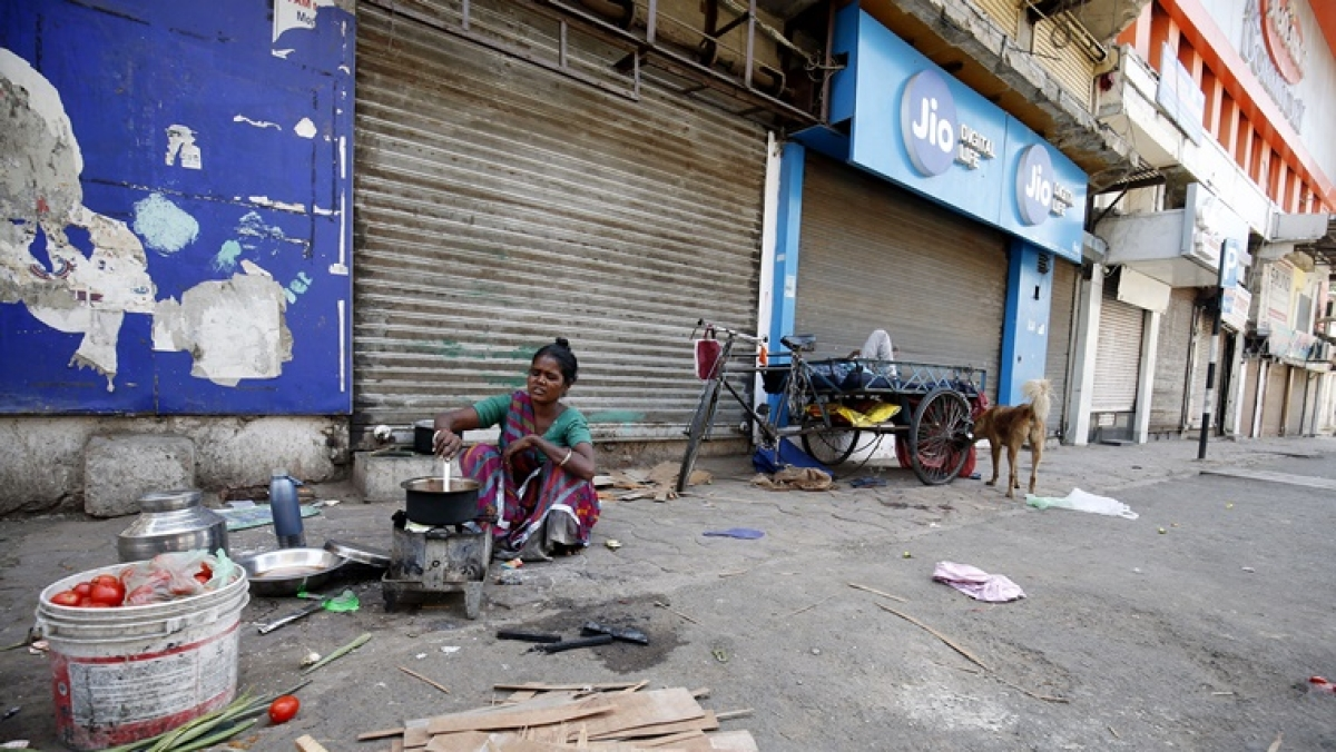 Coronavirus lockdown: Shops excluding essential goods, medicines, groceries in Maharashtra to remain close till May 3