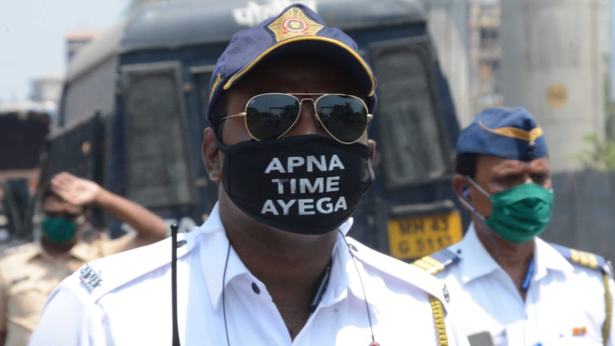 Traffic cops stung by rule breaking Mira-Bhayandar Municipal Corporation staffers amid coronavirus lockdown