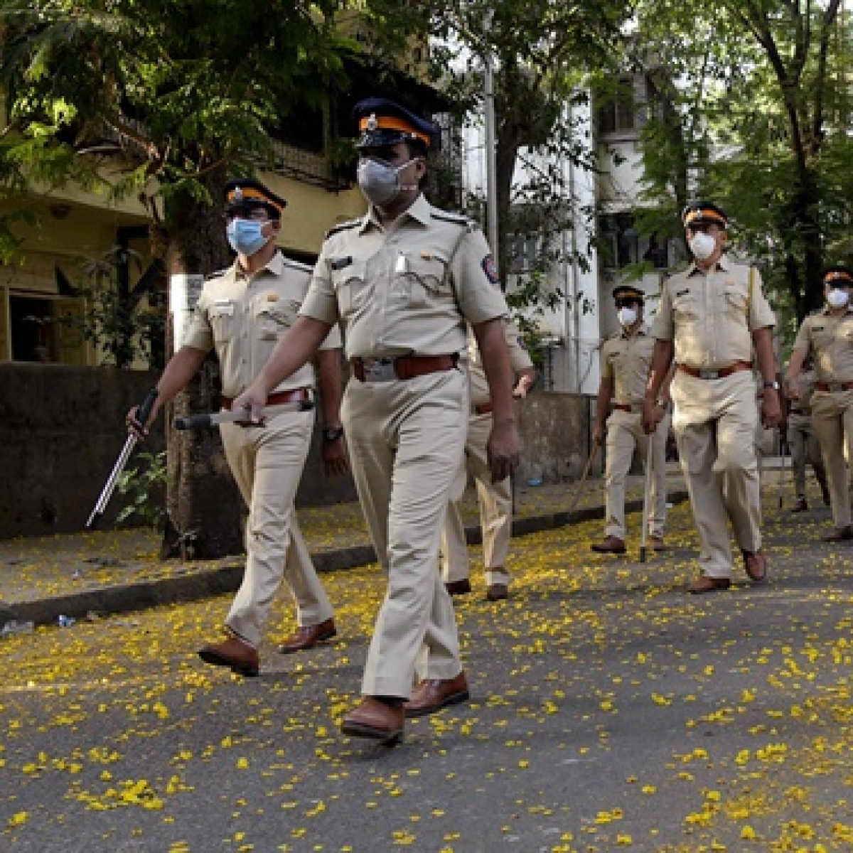 Maharashtra govt transfers 86 police personnel, including 65 Mumbai crime branch officers