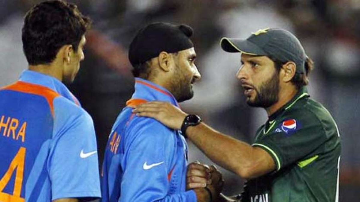 Shahid Afridi feels Harbhajan and Yuvraj are 'majboor' to react to his 'anti-India' statements