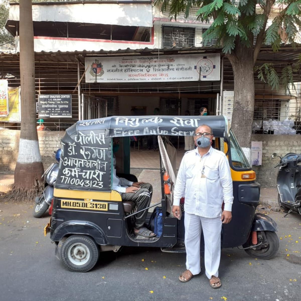 Coronavirus lockdown in Mumbai: Meet 43-year-old auto driver who provides free ride to corona warriors