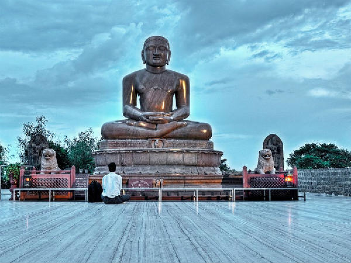 Mahavir Jayanti 2020: Messages, images, GIFS to send over WhatsApp or SMS