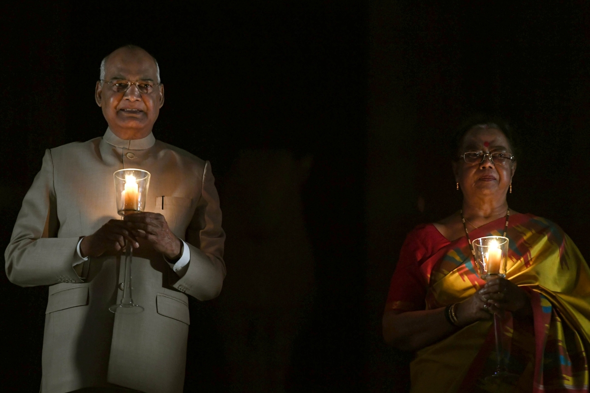 9 Baje 9 Minutes: Politicians respond to PM Narendra Modi's appeal; light diyas, candles