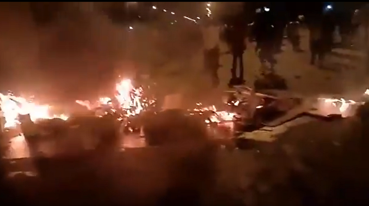 Watch: Migrants who want to go home clash with Gujarat Police, set vegetable carts on fire