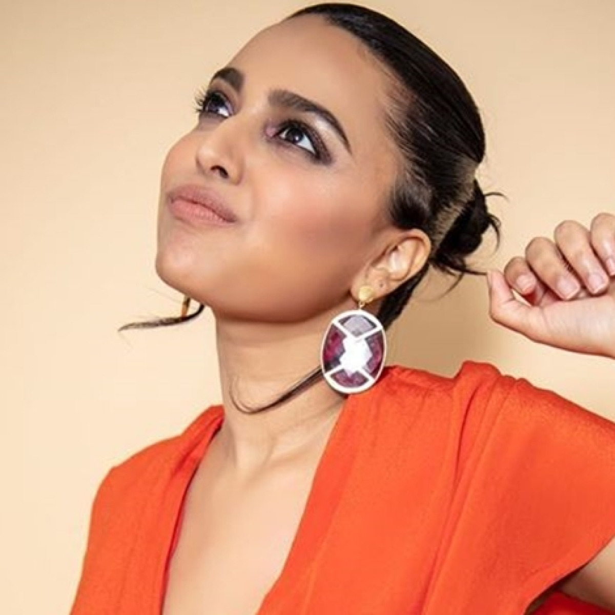 Is celebrity picking dog poop news? Swara Bhasker weighs in