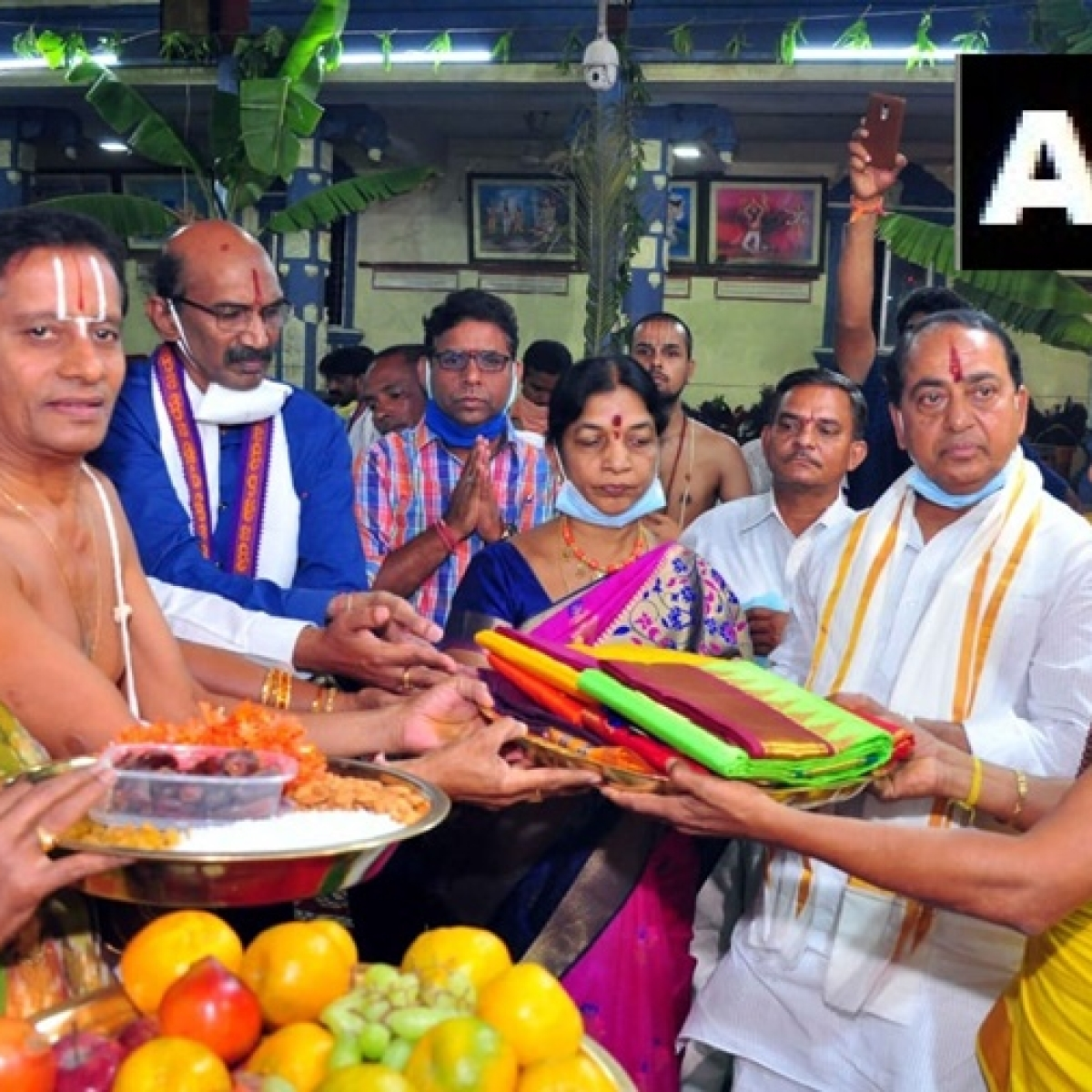 Despite social distancing claims, Telangana ministers participate in Ram Navmi celebrations