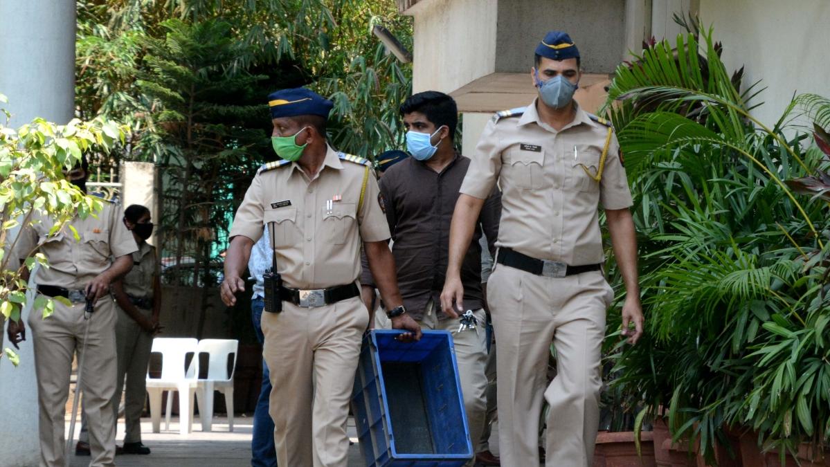 Coronavirus in Maharashtra: Senior police inspector from Thane tests positive for COVID-19