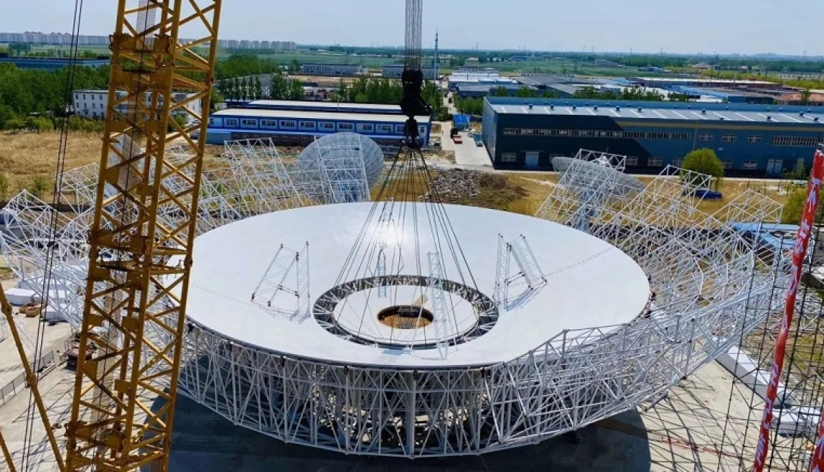 Construction site of the steerable radio telescope in Wuqing District of northern China's Tianjin.