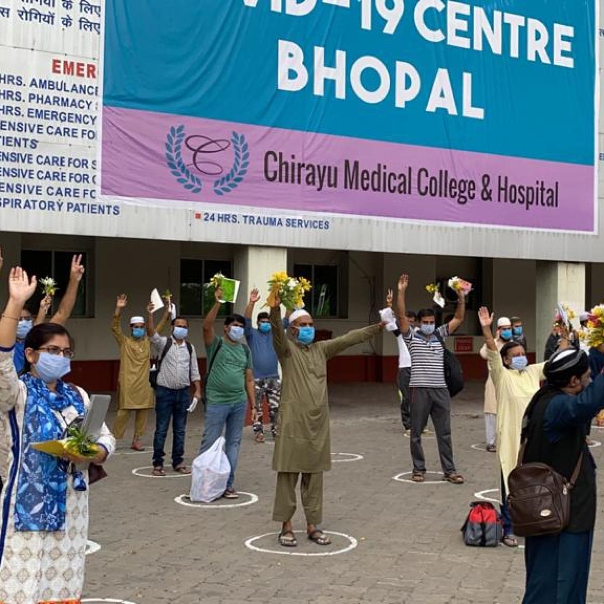Bhopal: Chirayu hospital lights lamp of hope, 28 coronavirus patients discharged