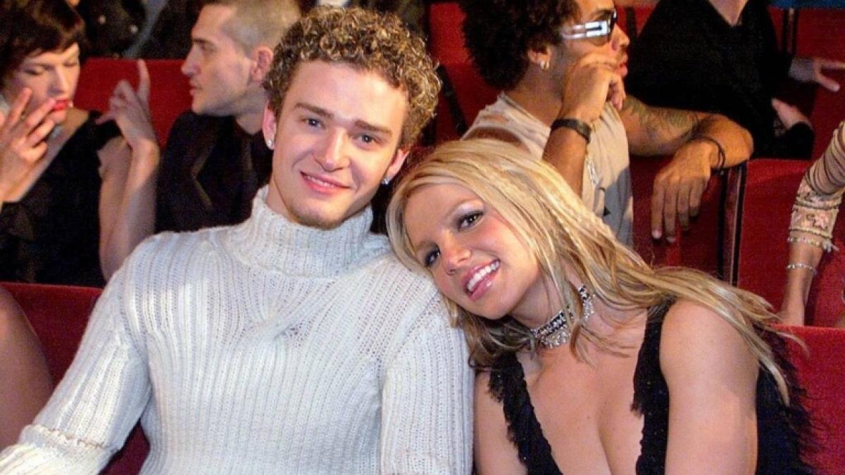 Britney Spears dances to ex-boyfriend Justin Timberlake's 'Filthy'