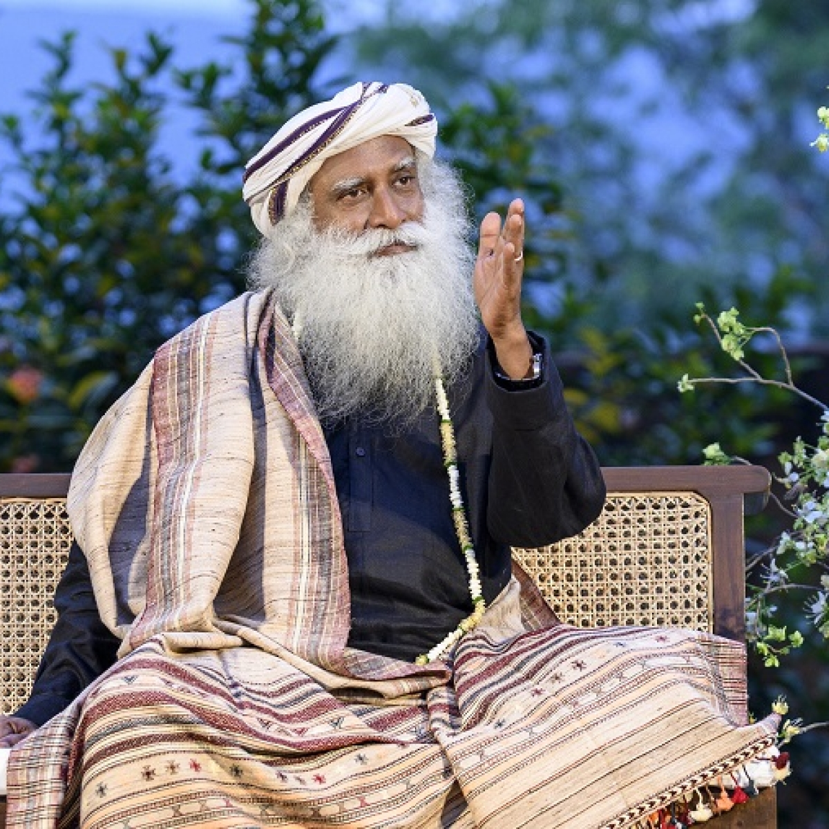 Sadhguru interacts with top IAS officers; lauds them for their exemplary work, says they are 'spine of India'