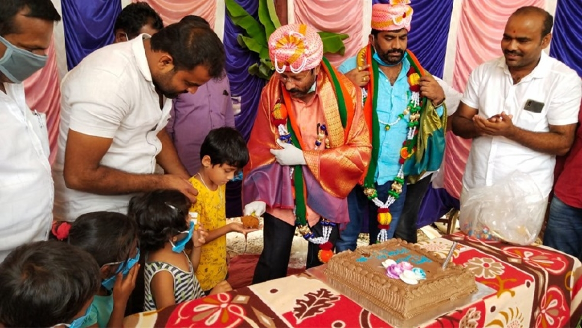 Netizens slam Karnataka BJP MLA for violating lockdown and throwing biryani-themed birthday party