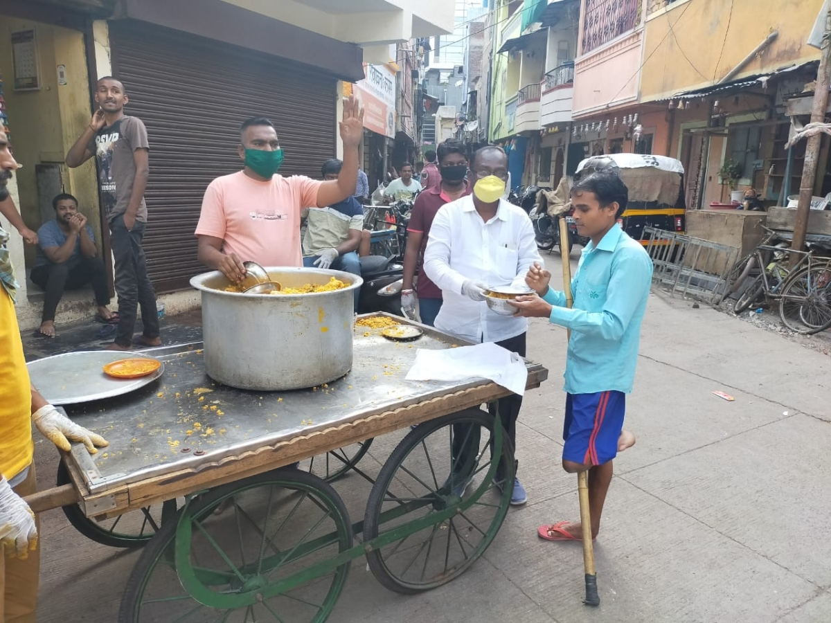 Small actions lead to great results: Pune's Annamrita Foundation is serving 60,000 meals per day amid the coronavirus lockdown