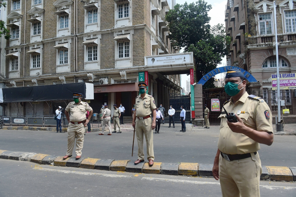 Don't spread rumours or hoard essentials: Mumbai Police tells citizens to stay calm amid Lockdown 3.0