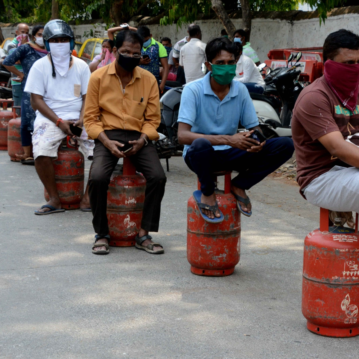 More than 11 lakh LPG cylinders distributed in Maharashtra to Ujjwala beneficiaries