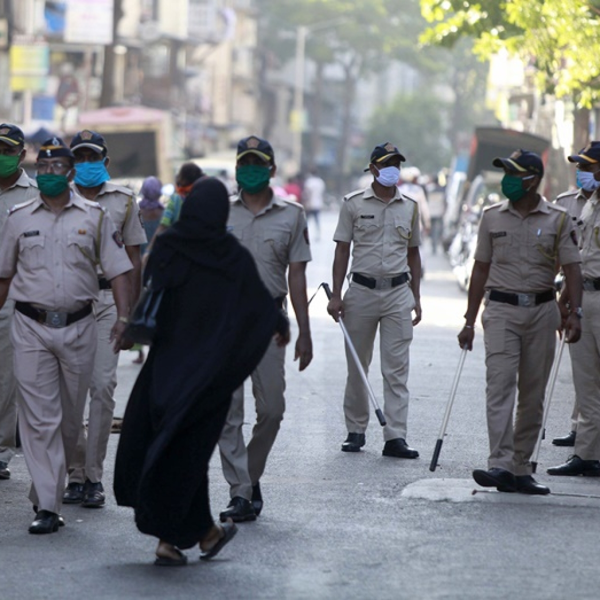 Mumbai Police asks cops aged above 55 to go on leave after three policemen died of coronavirus