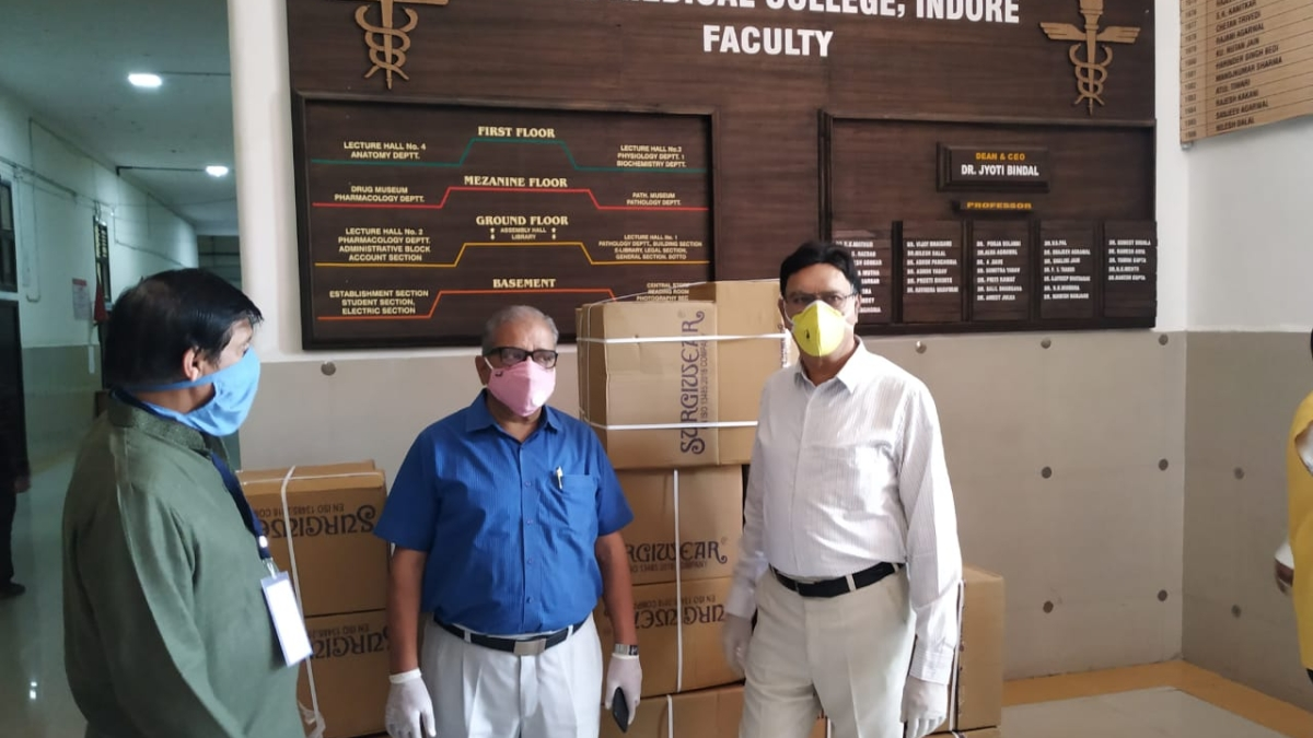 Coronavirus news of Indore: Industrialists donate 100 PPE Kits to MY hospital