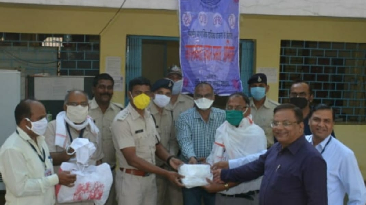 NHDC distributes gloves and cotton masks to cops at Narmada Nagar