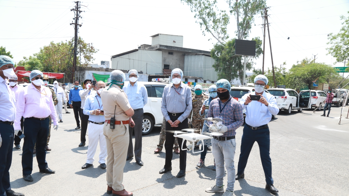 Indore: Central team visits corona hot-spots, happy with arrangements