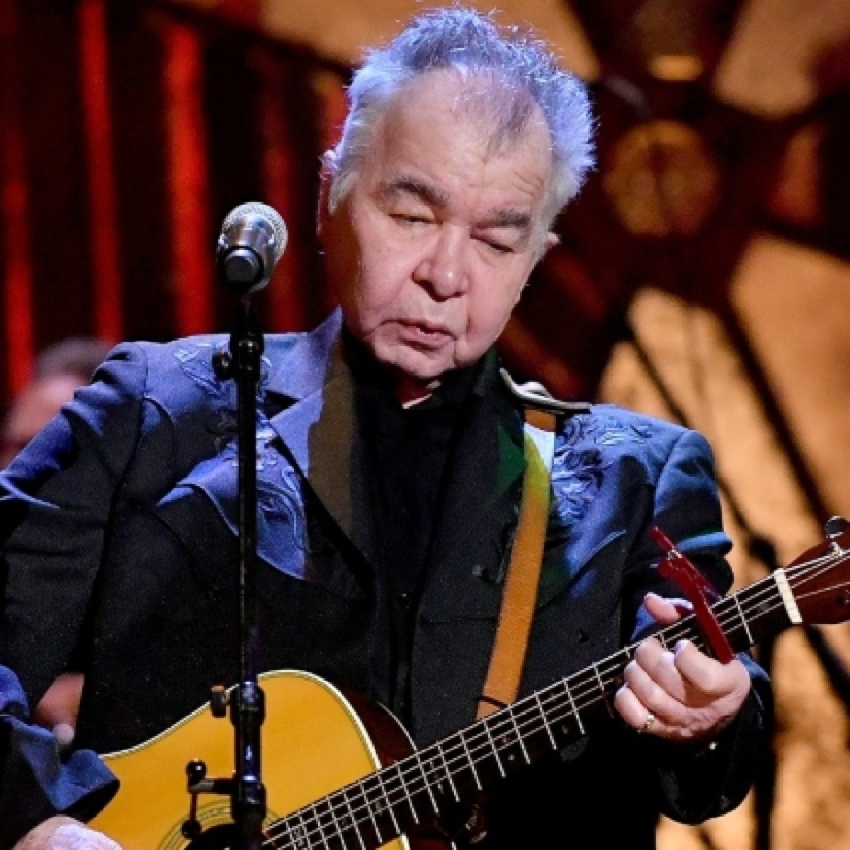 Country singer John Prine dies at 73 due to COVID-19 complications