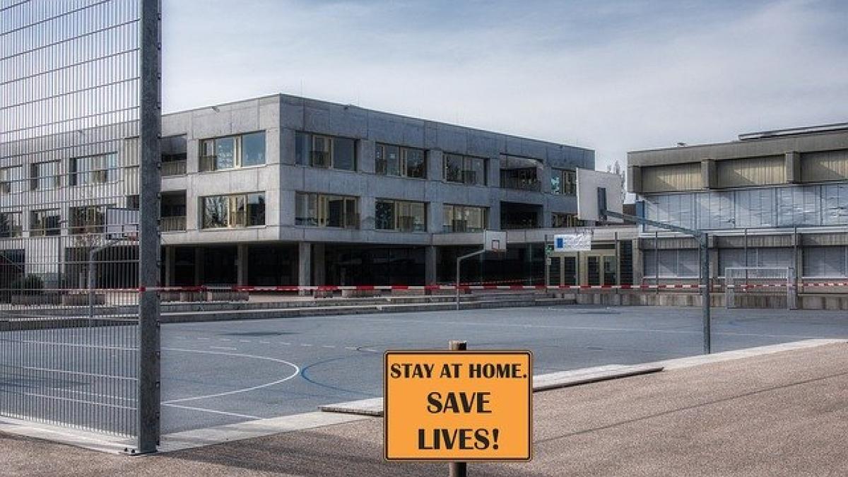 New York to extend coronavirus lockdown beyond mid-May