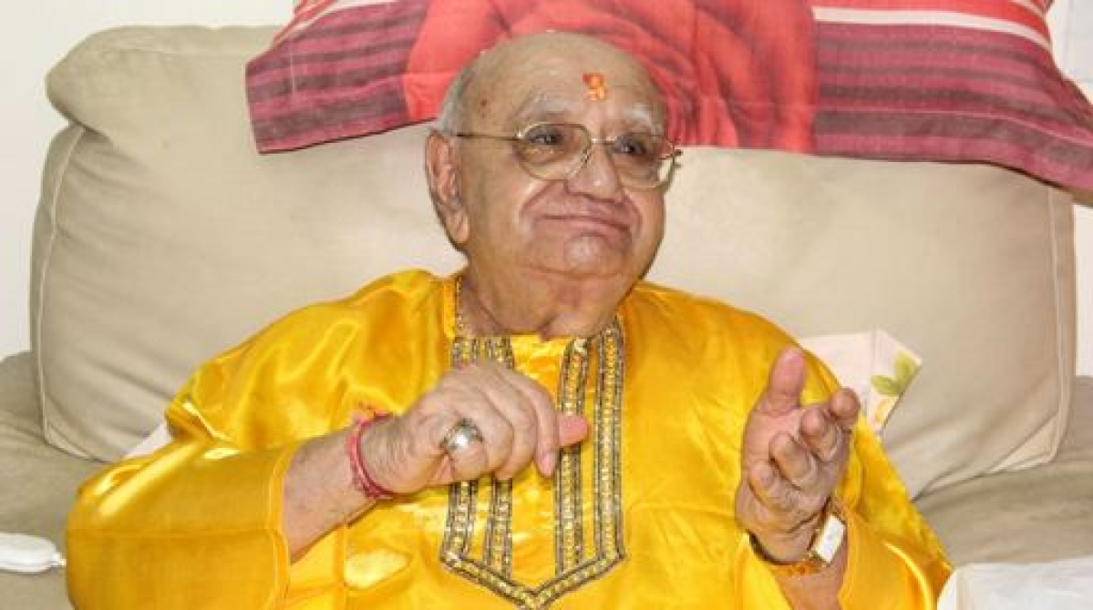 Famous astrologer Bejan Daruwala passes away