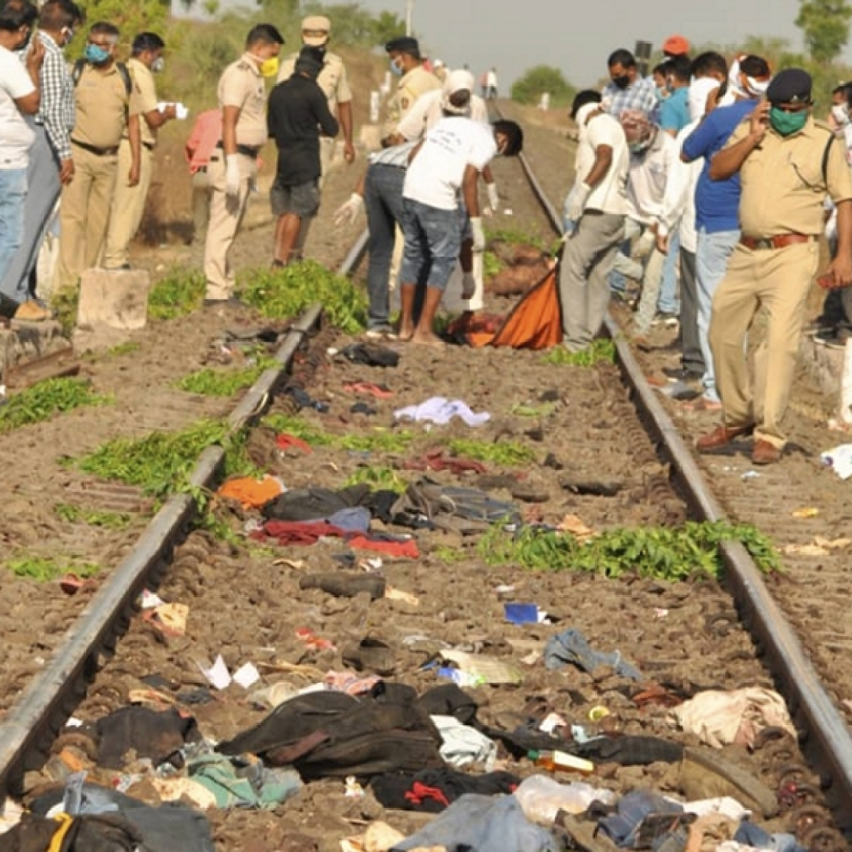 Aurangabad Train Accident: Bodies reach native villages in MP for last rites