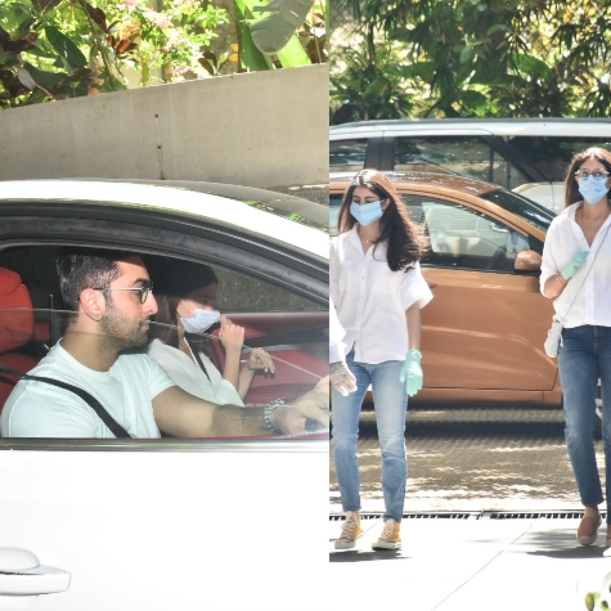 Rishi Kapoor's prayer meet:  Alia Bhatt, Karisma Kapoor, Shweta Bachchan Nanda arrive at late actor's Mumbai residence