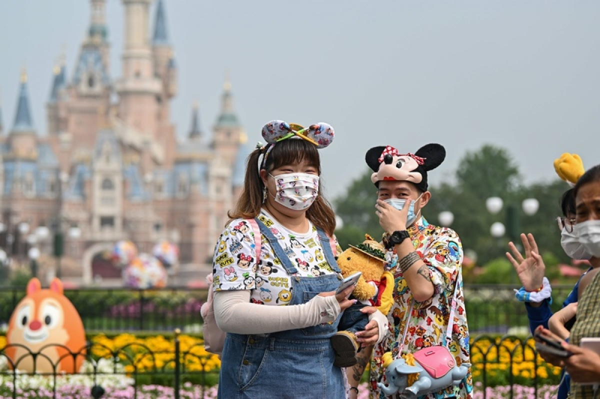 COIVD-19: Shanghai Disneyland reopens, China reports 17 cases