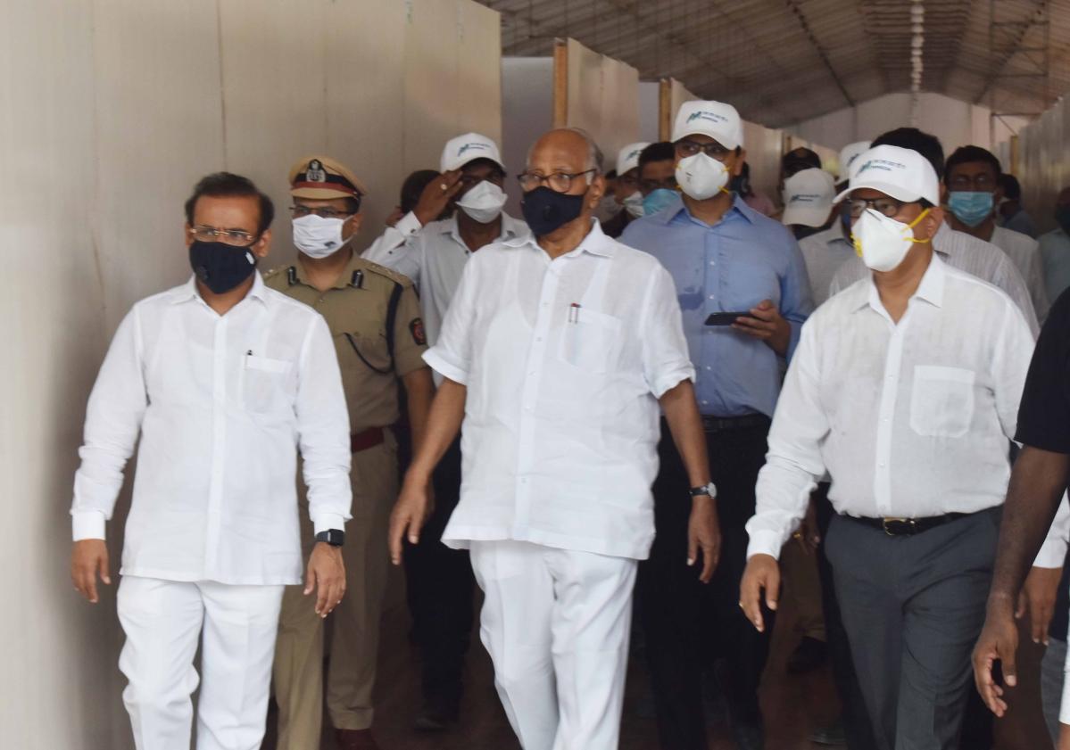 NCP Chief Sharad Pawar on his way to meet Maharashtra Chief Minister Uddhav Thackeray