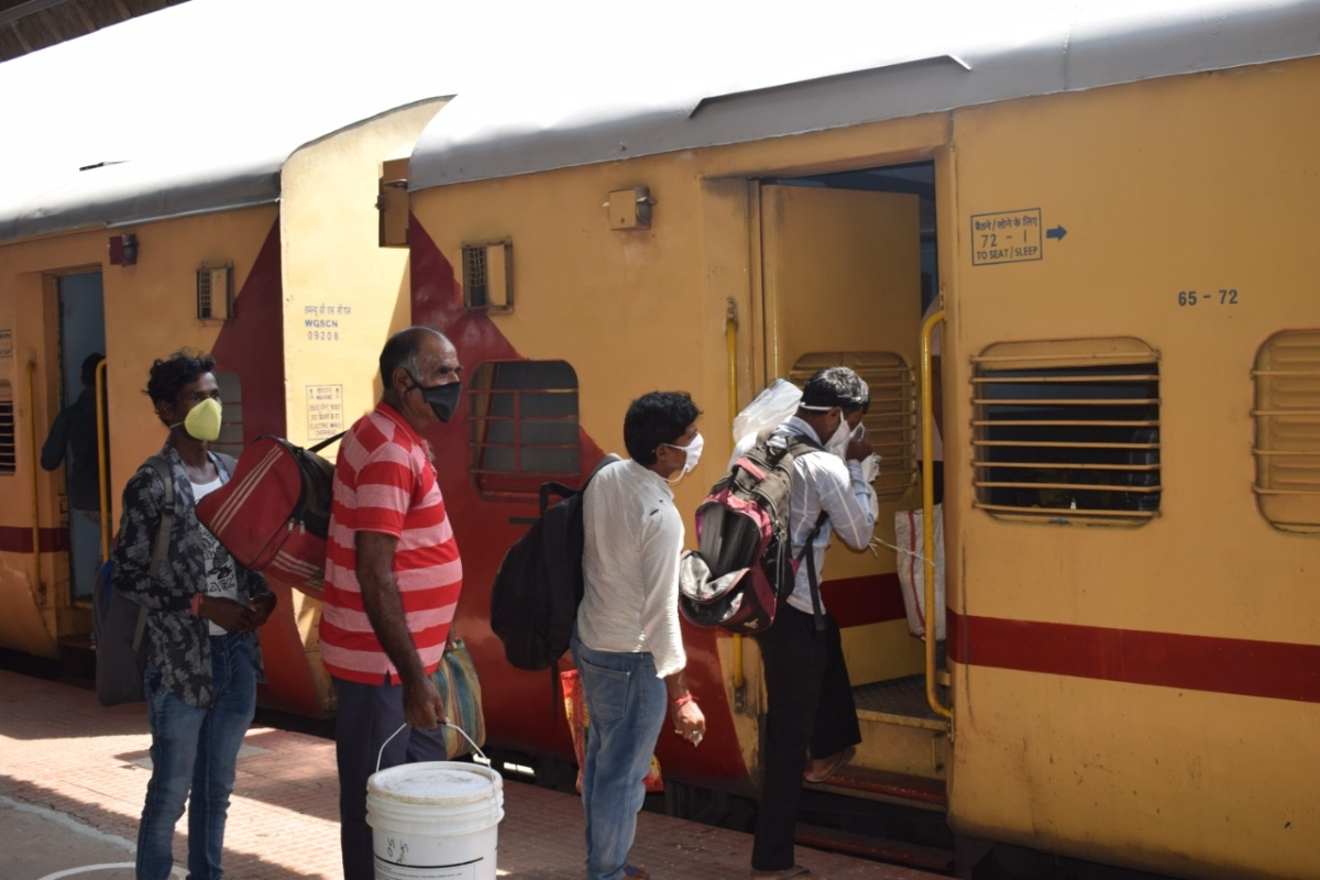 Shramik Special to Darbhanga chugs off from Hubballi