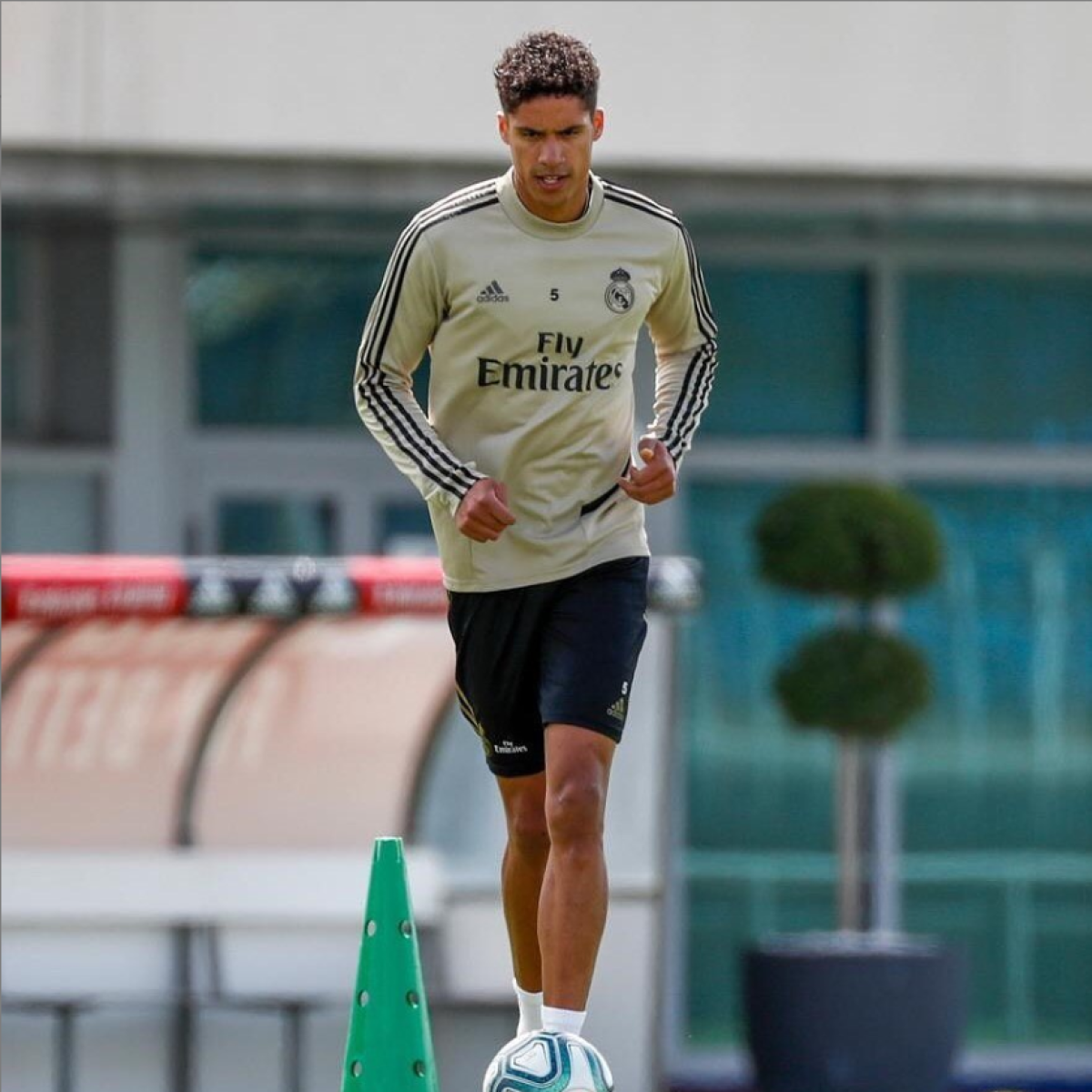 Real Madrid want to 'win everything', says defender Raphael Varane