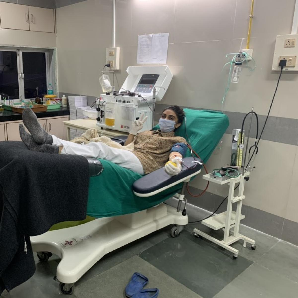 Aaditya Thackeray thanks Zoa Morani  for donating plasma after recovering from COVID-19