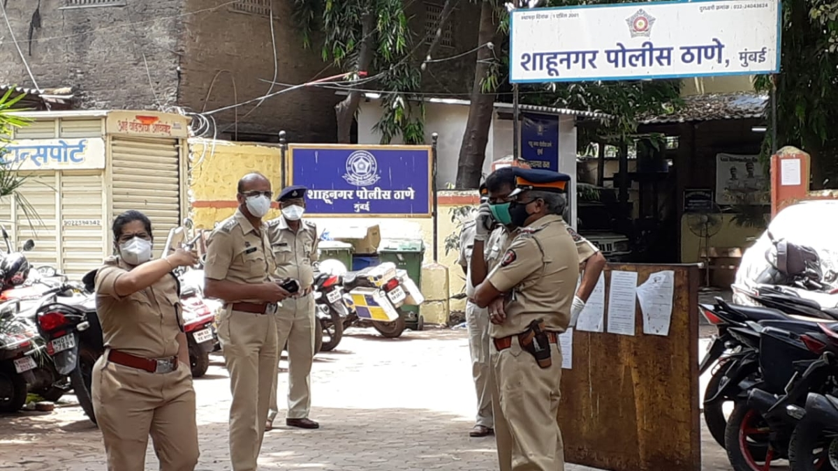 Another Mumbai cop succumbs to COVID-19