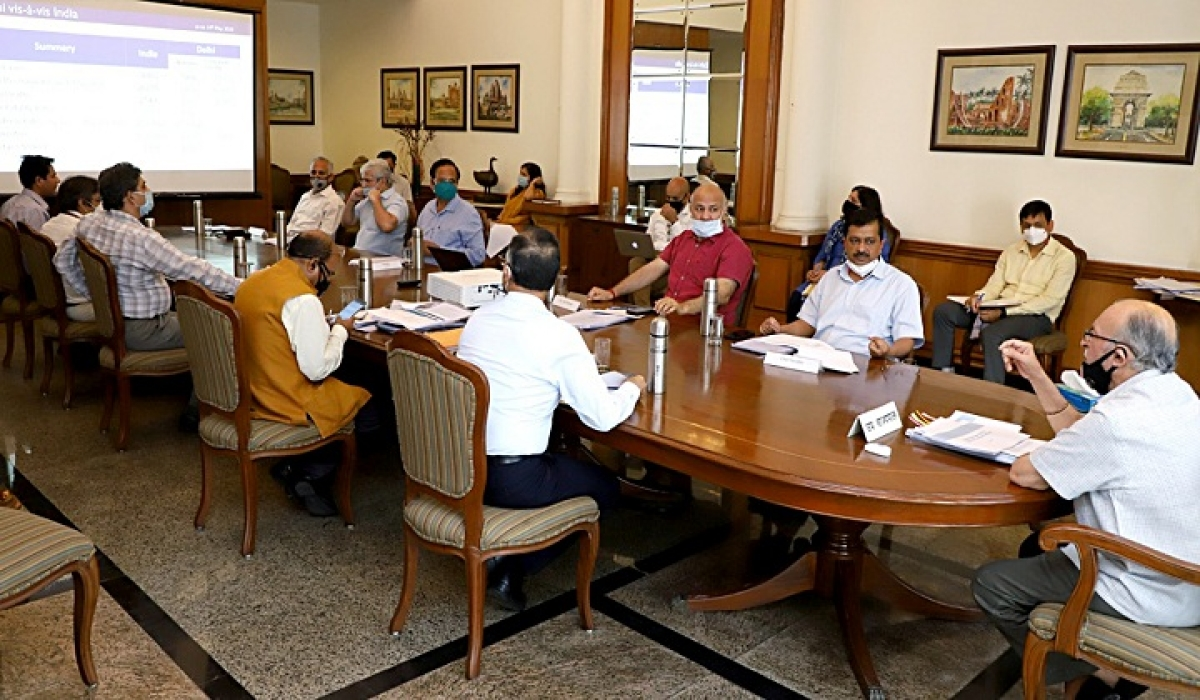 Delhi Lieutenant Governor Anil Baijal chairs a high-level meeting of Delhi Disaster Management Authority (DDMA) with Chief Minister Arvind Kejriwal, Deputy CM Manish Sisodia and other senior officers, in New Delhi on Thursday.